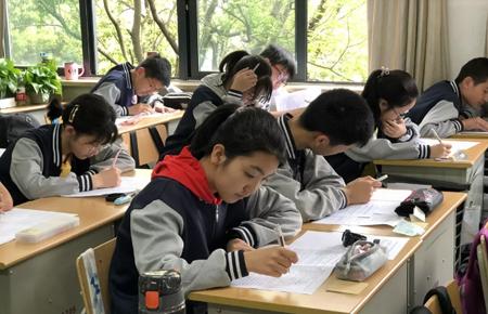 杭实外初中部八年级英语阅读理解大赛圆满结束